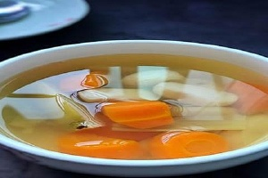 甘蔗雪梨红萝卜煮的功效,甘蔗萝卜梨水能不能多喝缩略图