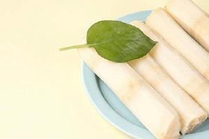 甘蔗可以多吃吗,甘蔗吃多了会怎么样缩略图