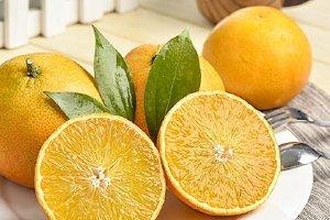 橙子是感光食物吗,白天吃橙子会变黑吗缩略图