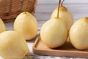 梨子长胖吗,晚上吃梨子会不会长胖缩略图