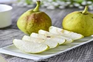 每天吃梨子好不好,每天吃一个梨子有什么好处缩略图