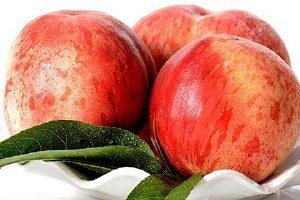 油桃皮可以吃吗,油桃硬的可以吃吗缩略图