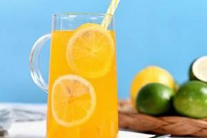 柠檬水的正确泡法减肥,柠檬怎么喝才能美白缩略图