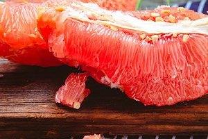 红心蜜柚可以减肥吗,红心蜜柚减肥一天吃多少缩略图