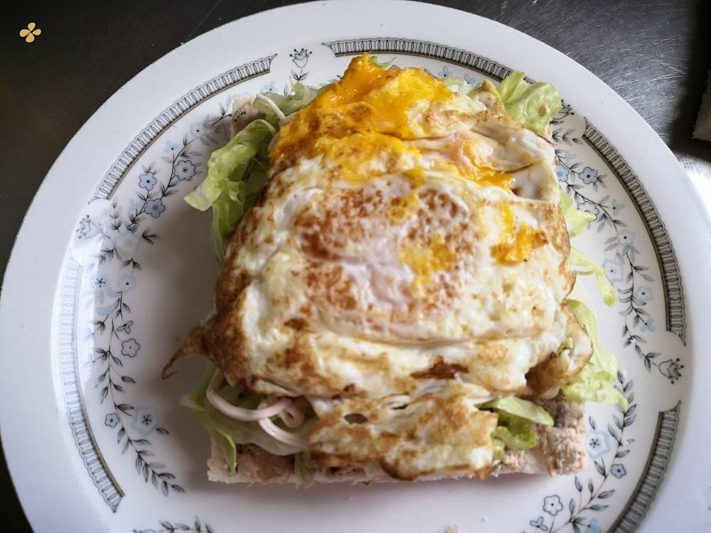金枪鱼三明治的做法 步骤7