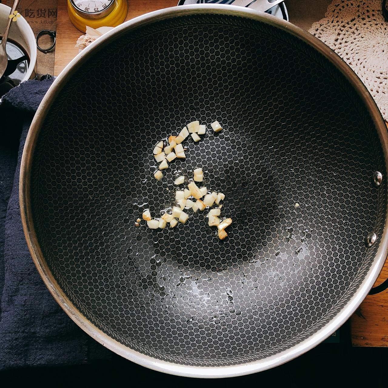 『米饭杀手』虎皮尖椒的做法 步骤5