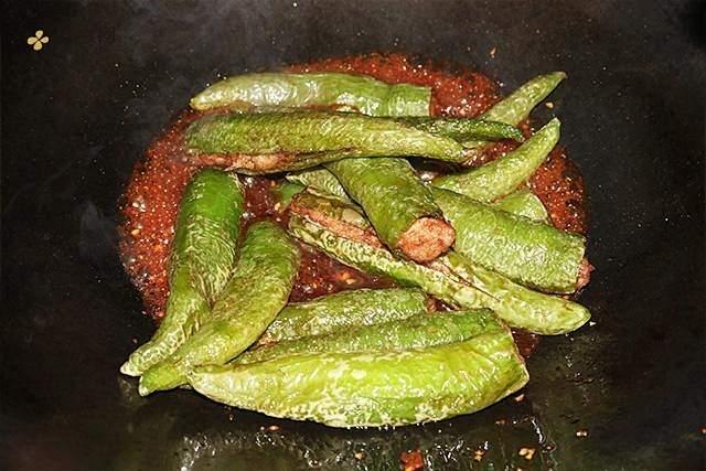 肉酿虎皮青椒的做法 步骤5