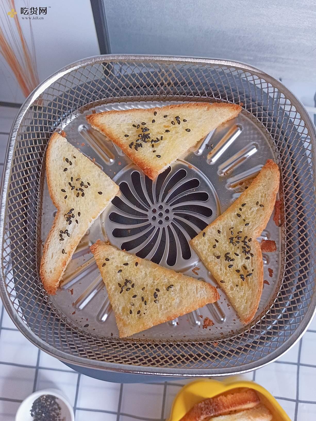 好吃到停不下来的蜂蜜土司脆片的做法 步骤7