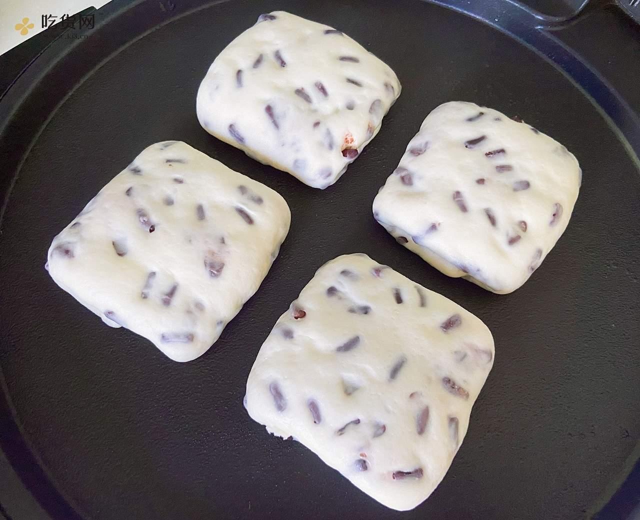 无油奶香蜜豆烤饼  这样做外皮酥脆   内里暄软   凉了都好吃   附细节视频的做法 步骤6