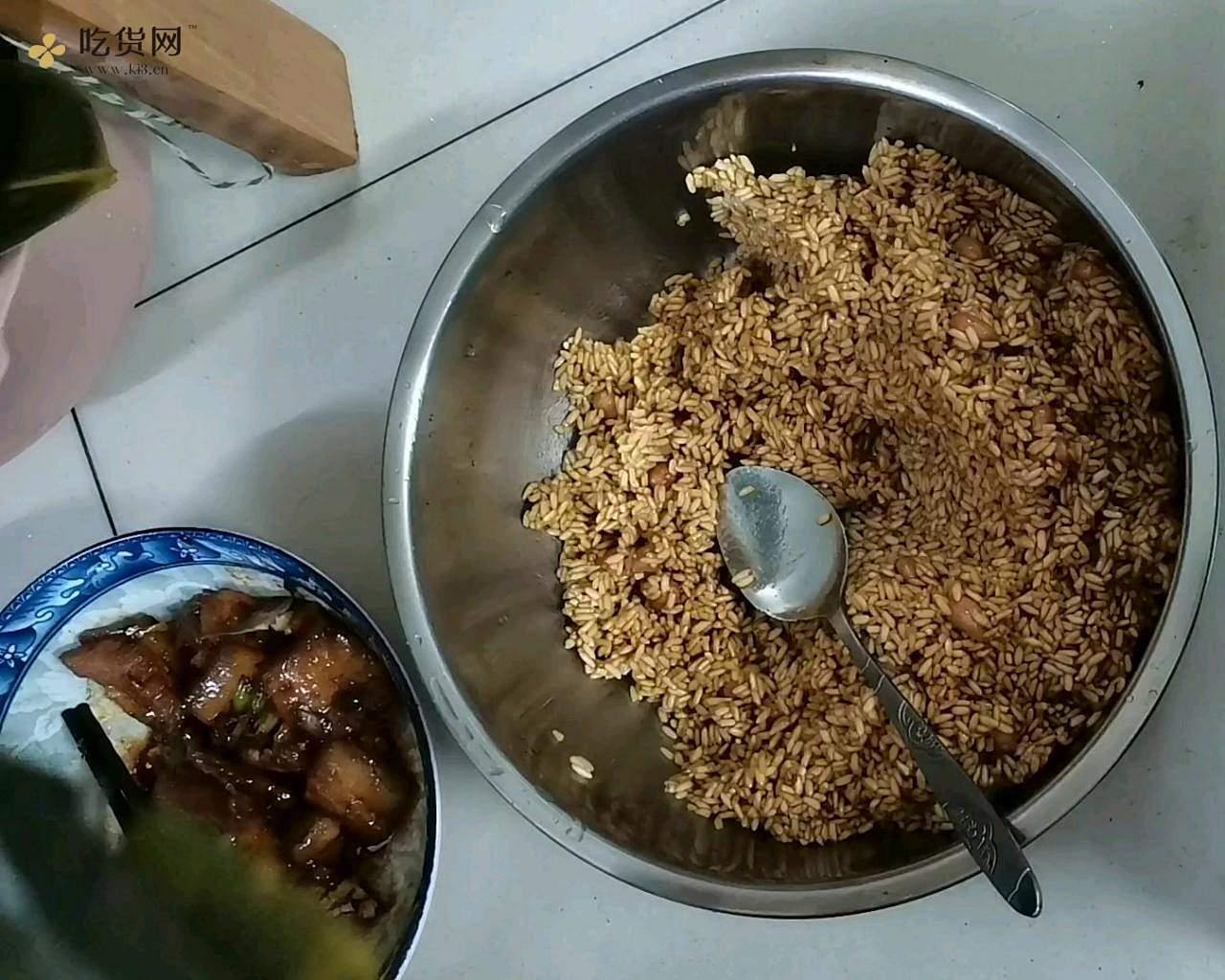 不用泡米,不用腌肉的花生米鲜肉粽(附视频零失败教学)的做法 步骤13