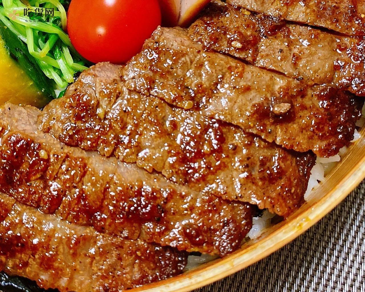 高中生的午餐便当-牛排飯的做法 步骤1