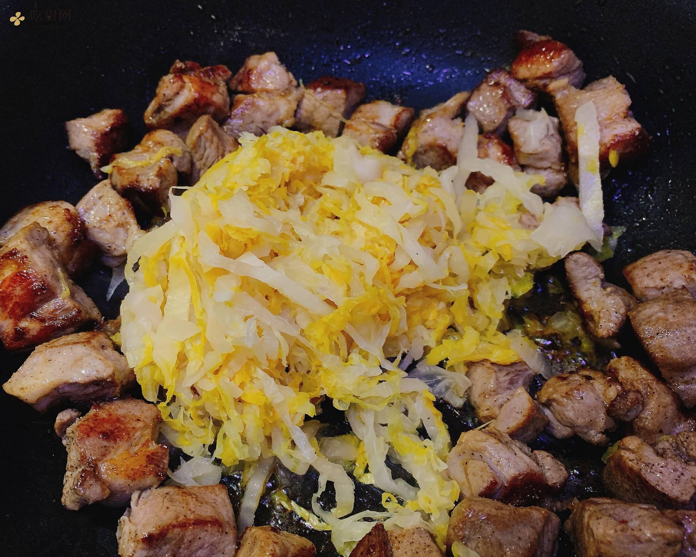 『有机酸菜&黑毛猪颈肉』——生酮饮食减肥餐的做法 步骤4