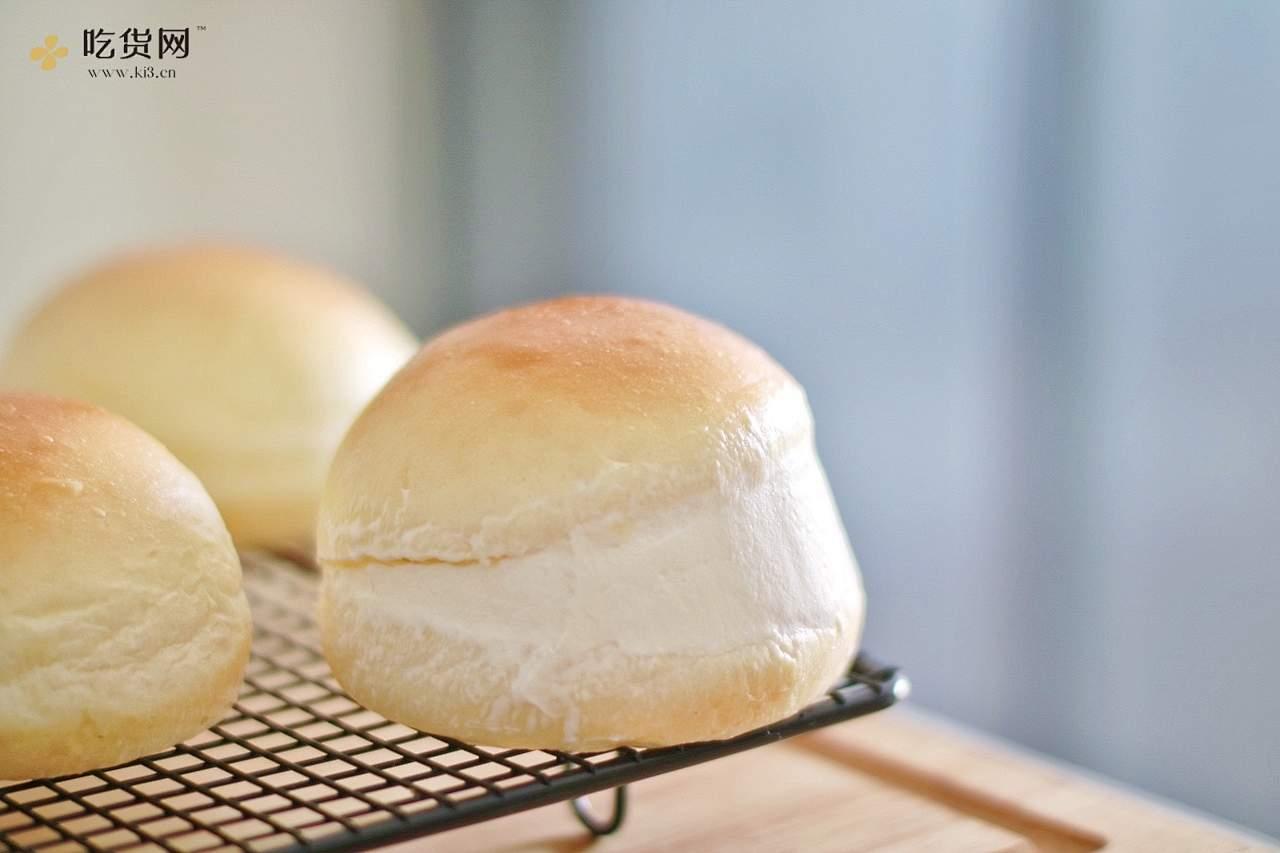 草莓意大利奶油面包的做法 步骤14