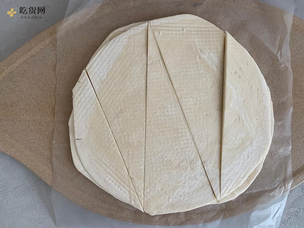 超简单‼️空气炸锅牛角酥的做法 步骤2