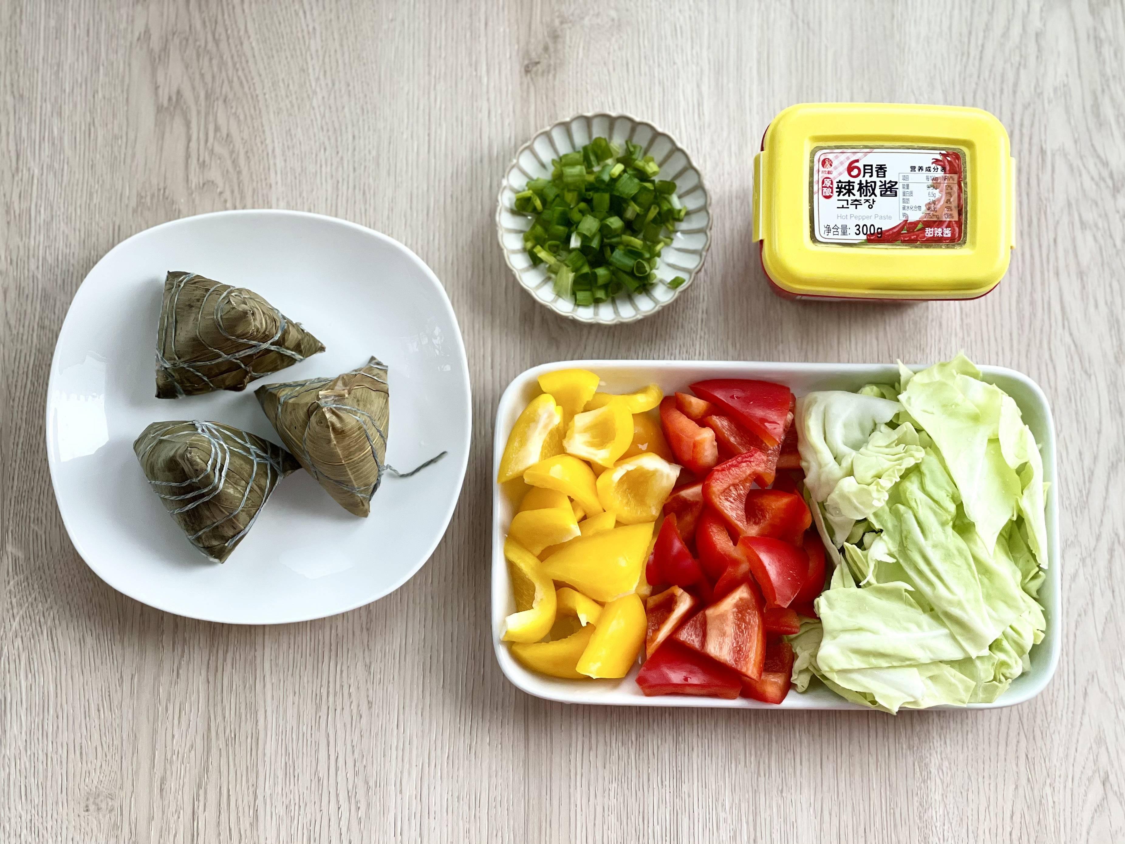 端午节到了,辣炒粽子你吃过吗?的做法 步骤1