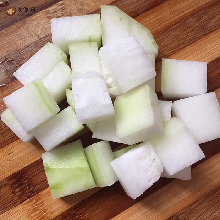 减肥餐:无油蛤蜊冬瓜汤的做法 步骤2