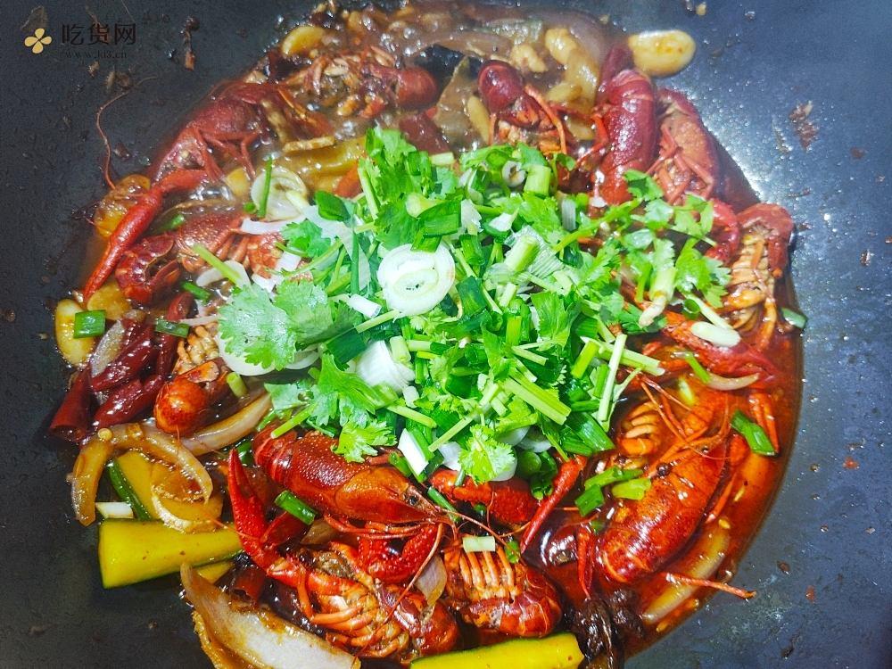 超详细麻辣啤酒小龙虾烹饪步骤   新手在家也能做的做法 步骤13