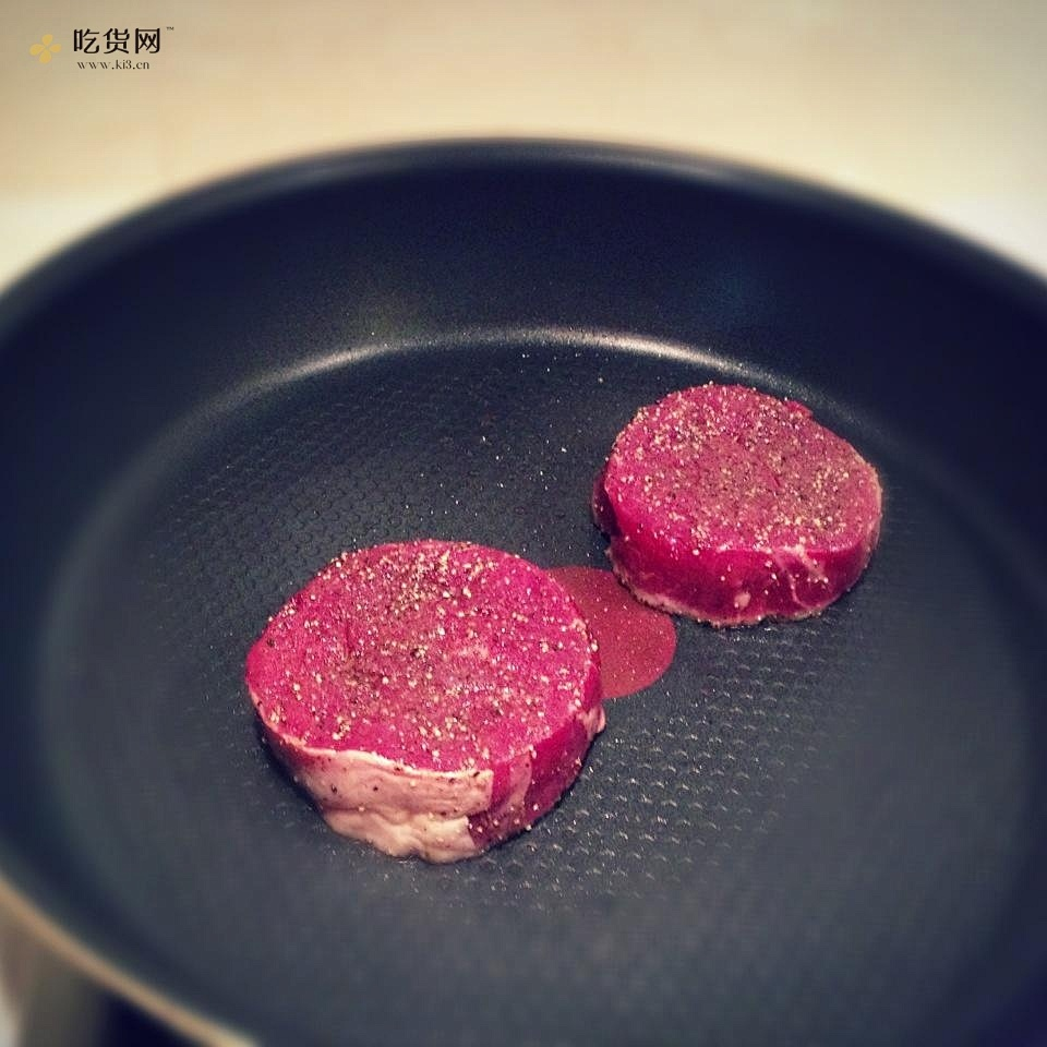 红酒菲力牛排的做法 步骤2