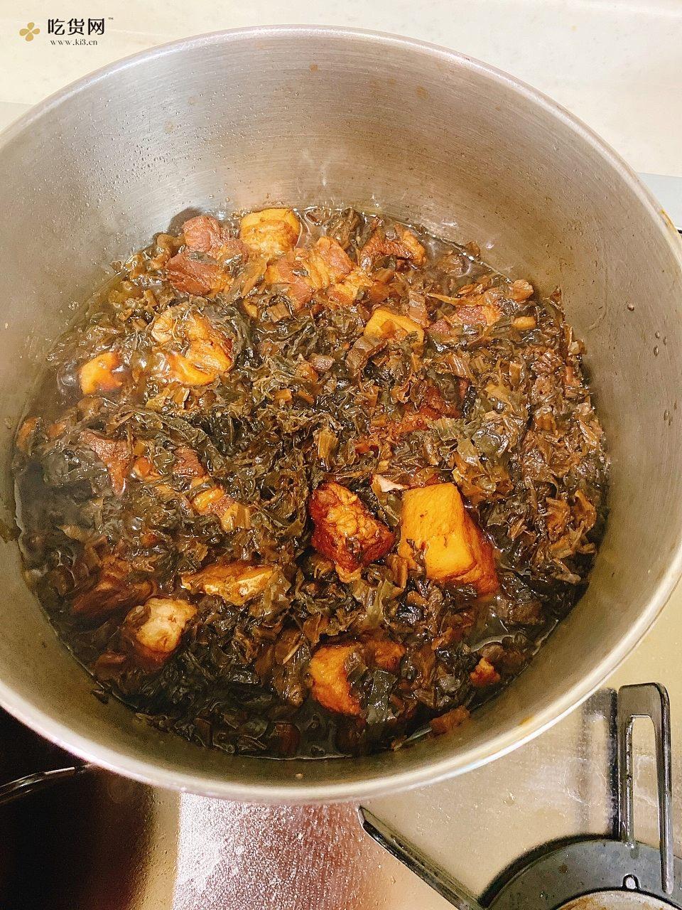 只用一个锅的梅干菜烧肉的做法 步骤4