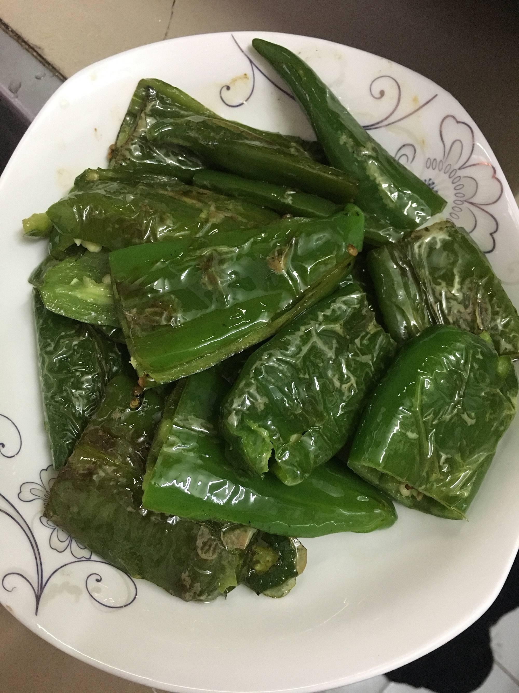 简单易做的虎皮青椒,超级下饭的做法 步骤4