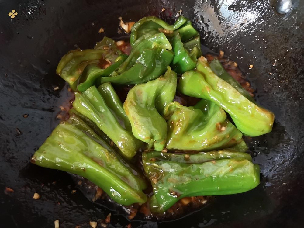 超简单❗️巨下饭的虎皮青椒的做法 步骤12