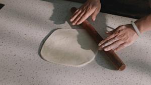 详细菜谱丨惠灵顿牛排的做法 步骤4