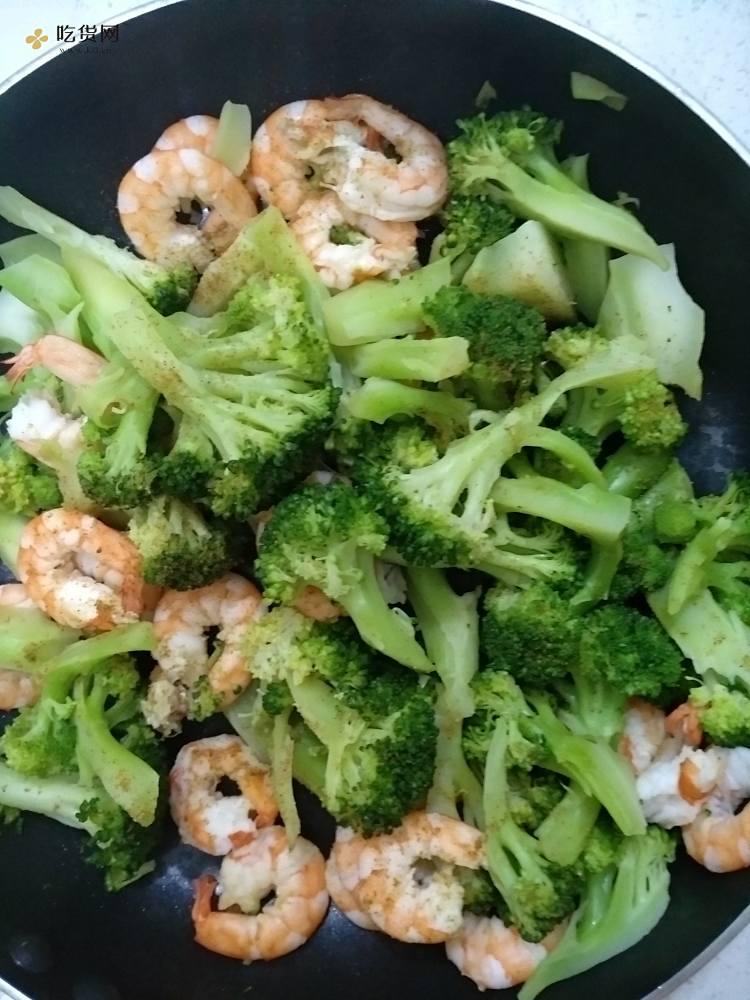 健康减肥餐1:西兰花炒虾仁的做法 步骤5