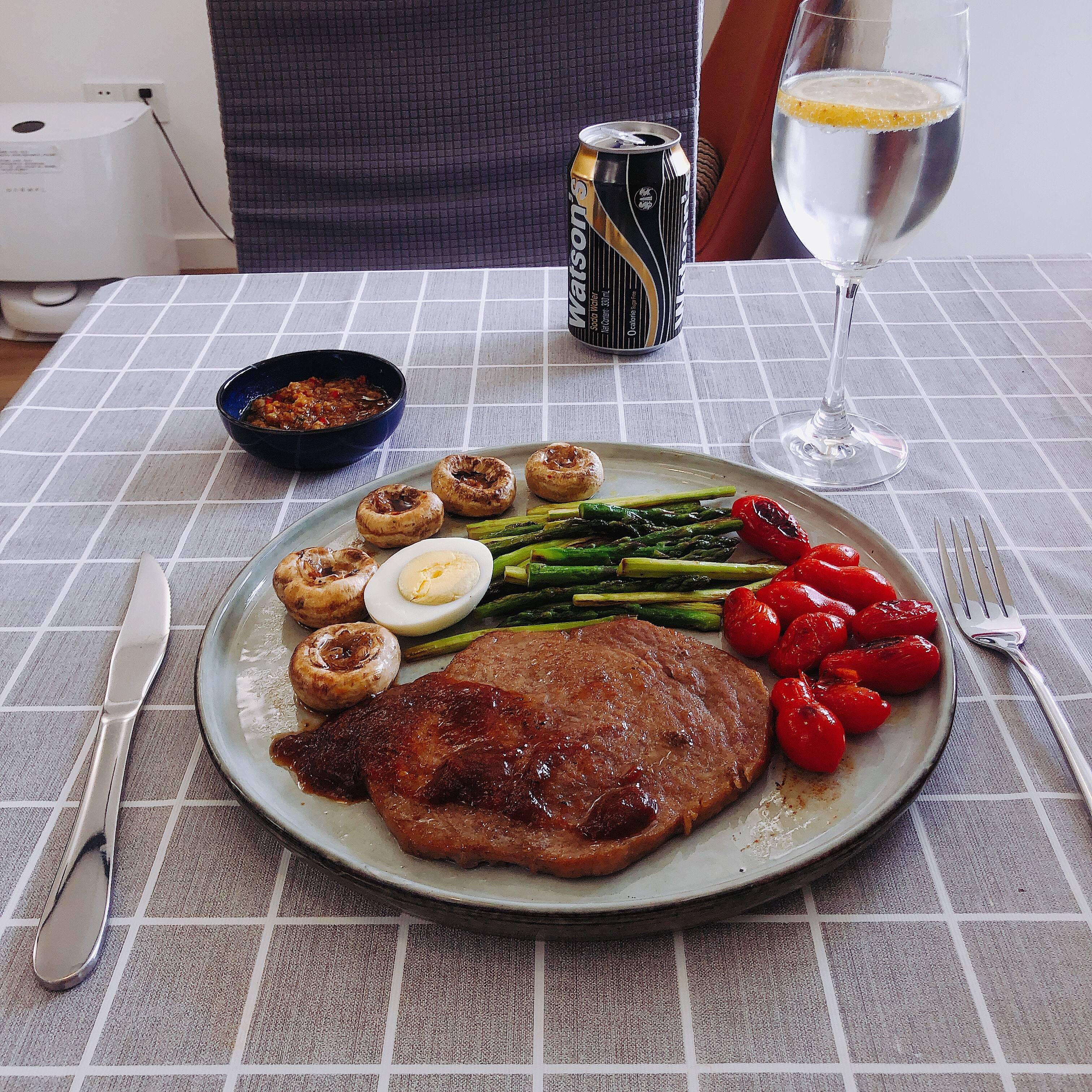 十分钟简单午餐牛排🥩的做法 步骤3