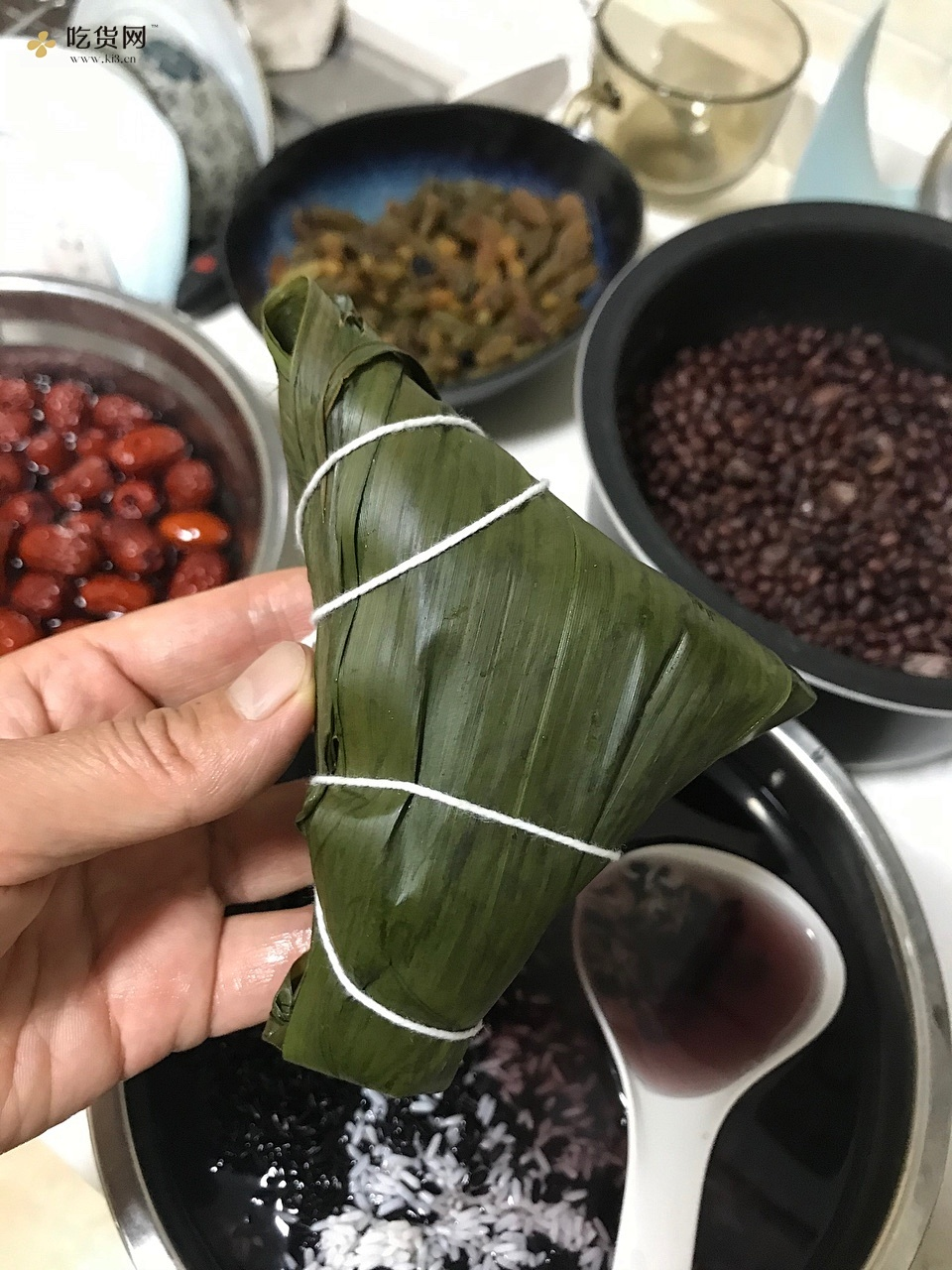 糯香的红枣花生红豆粽子的做法 步骤5