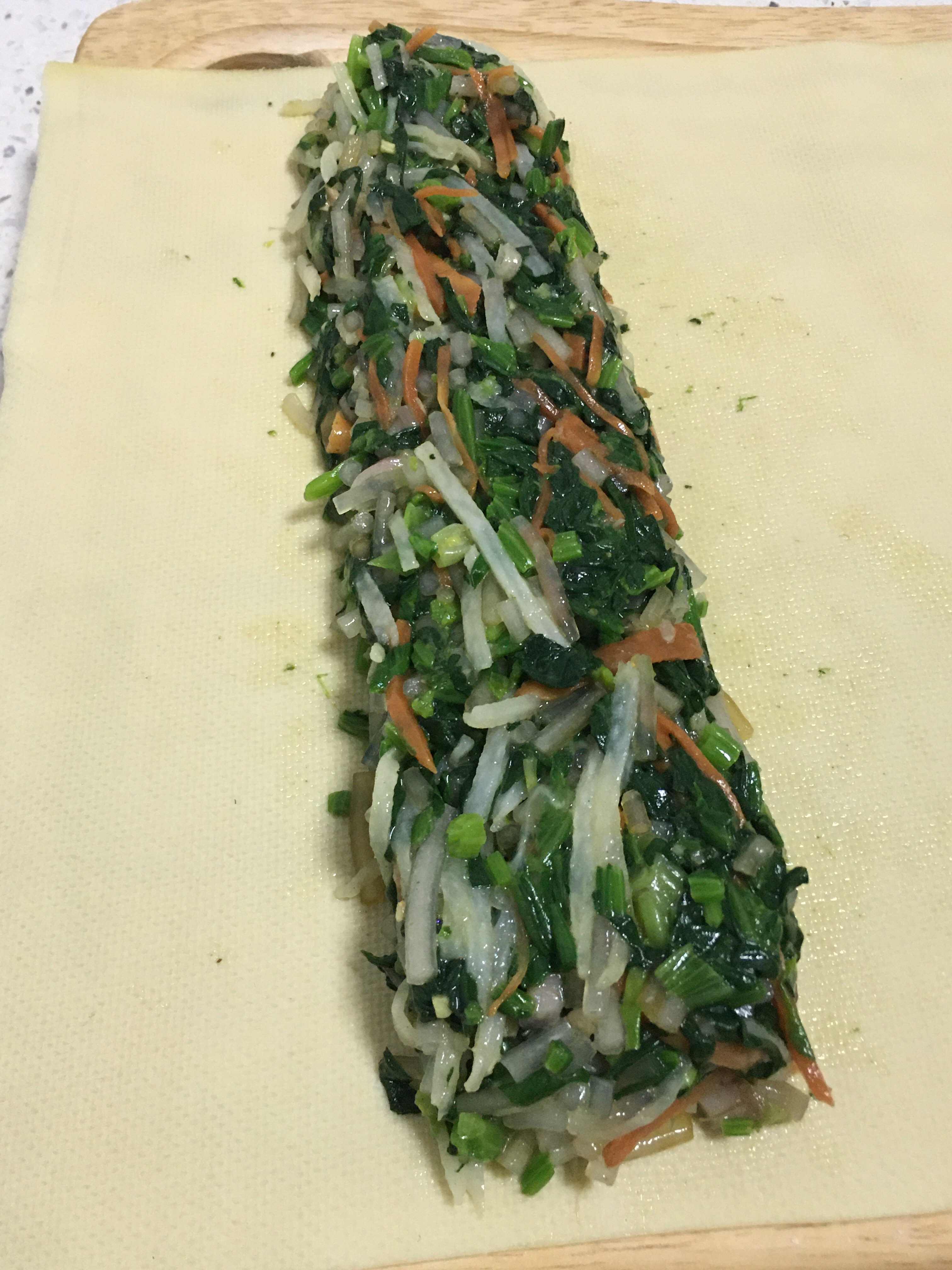 网红明星减肥餐~豆皮蔬菜卷的做法 步骤7