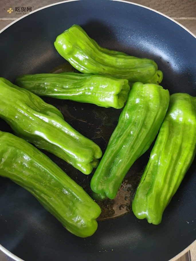 🐯 虎皮青椒的做法 步骤5