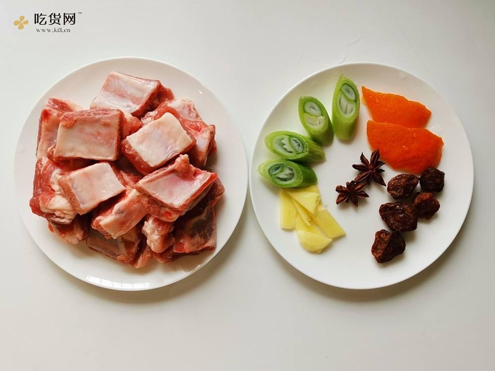 糖醋排骨(用少油,不炒糖色,家常做法,通俗易懂,甜酸适口)的做法 步骤1