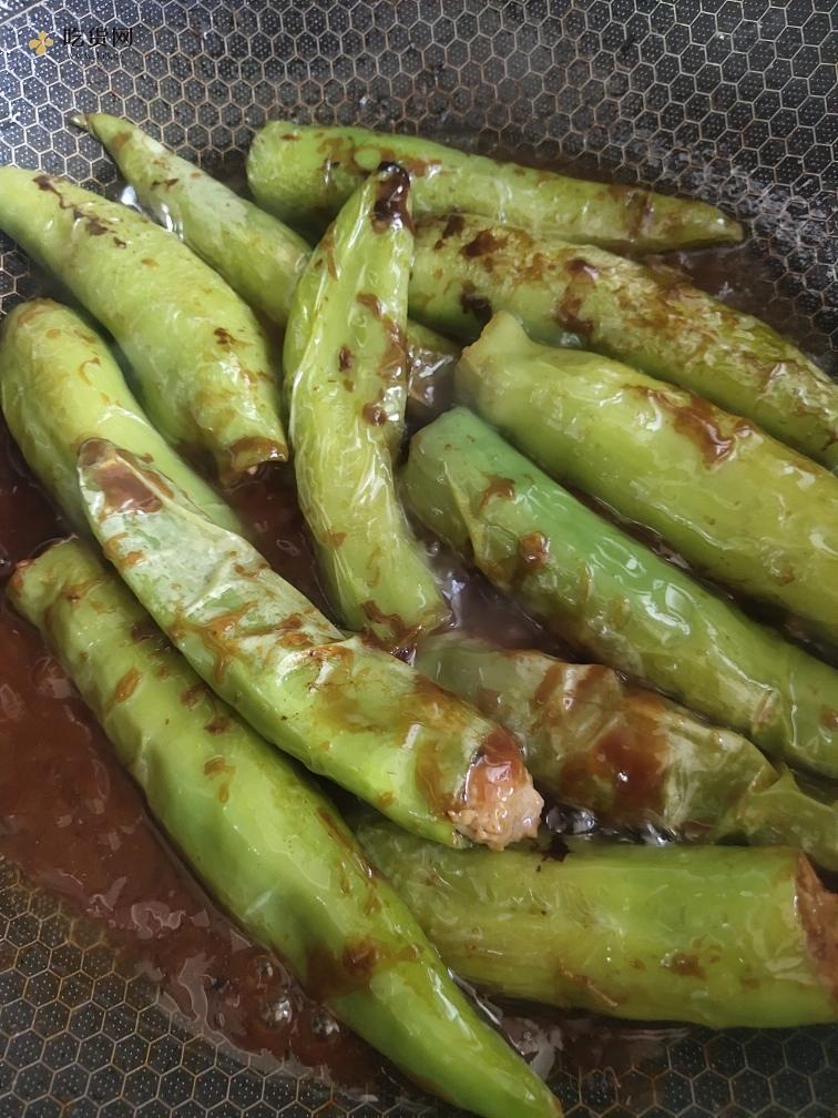 肉馅版虎皮辣椒的做法 步骤13
