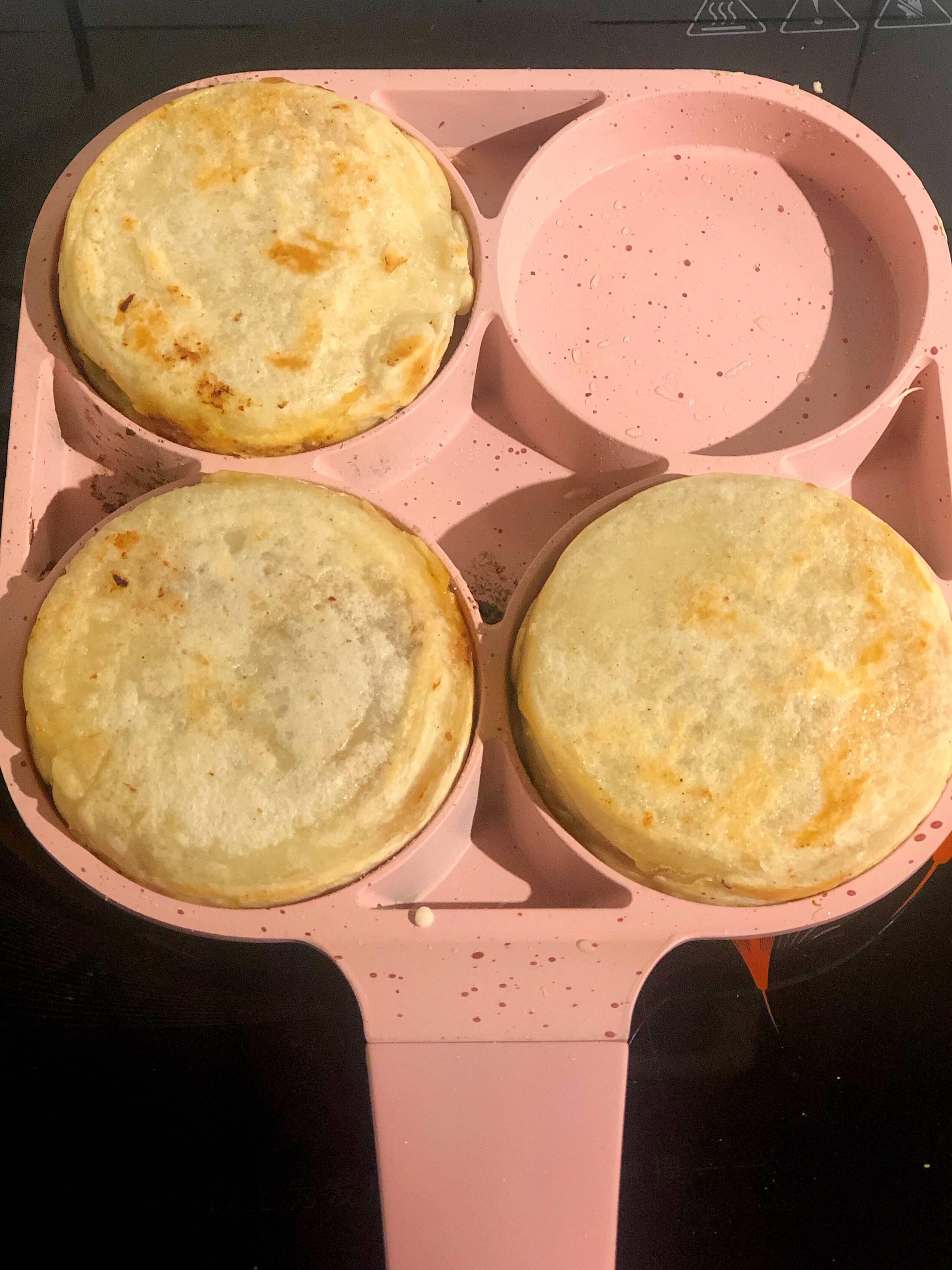 快手早餐-鸡蛋汉堡的做法 步骤13