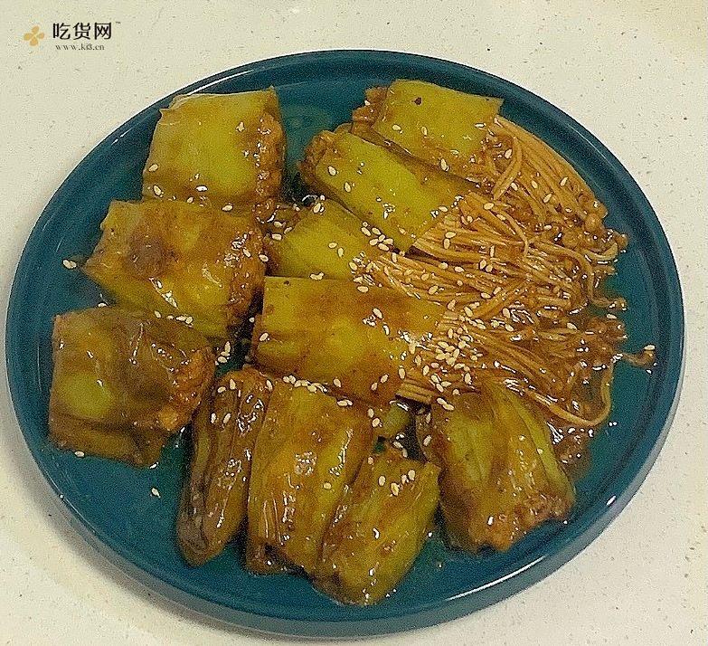 虎皮青椒 青椒酿肉 青椒金针菇的做法 步骤2