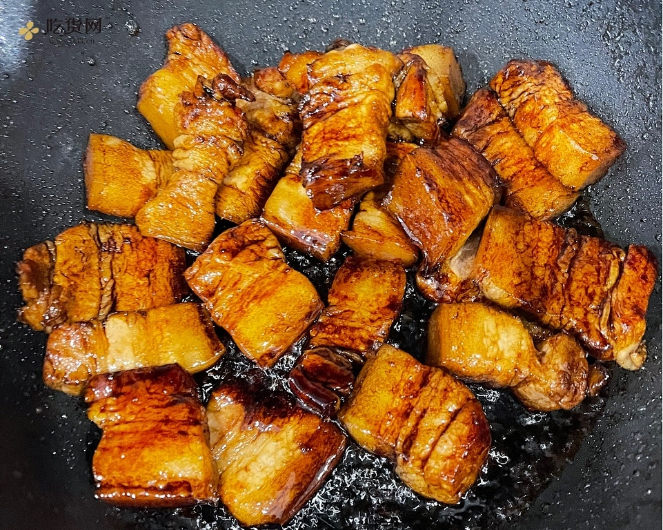 轻松干掉两碗饭 梅干菜烧肉的做法 步骤3