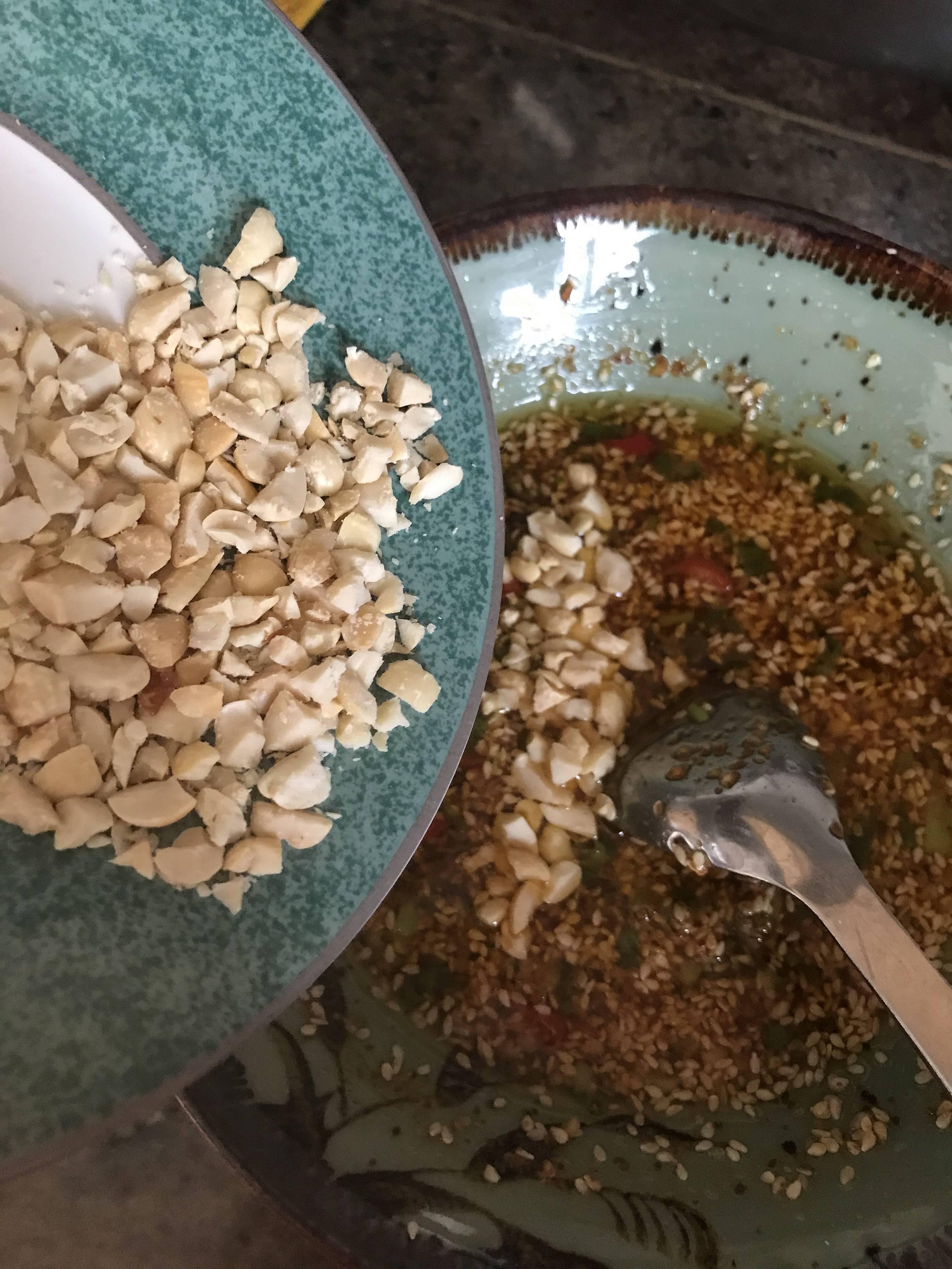 巨好吃的万能蘸酱(饺子,火锅,凉菜,拌面皆可用)的做法 步骤5