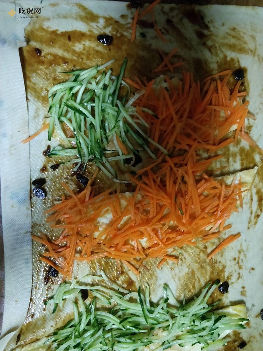 减肥餐-豆皮(千张)卷菜的做法 步骤7