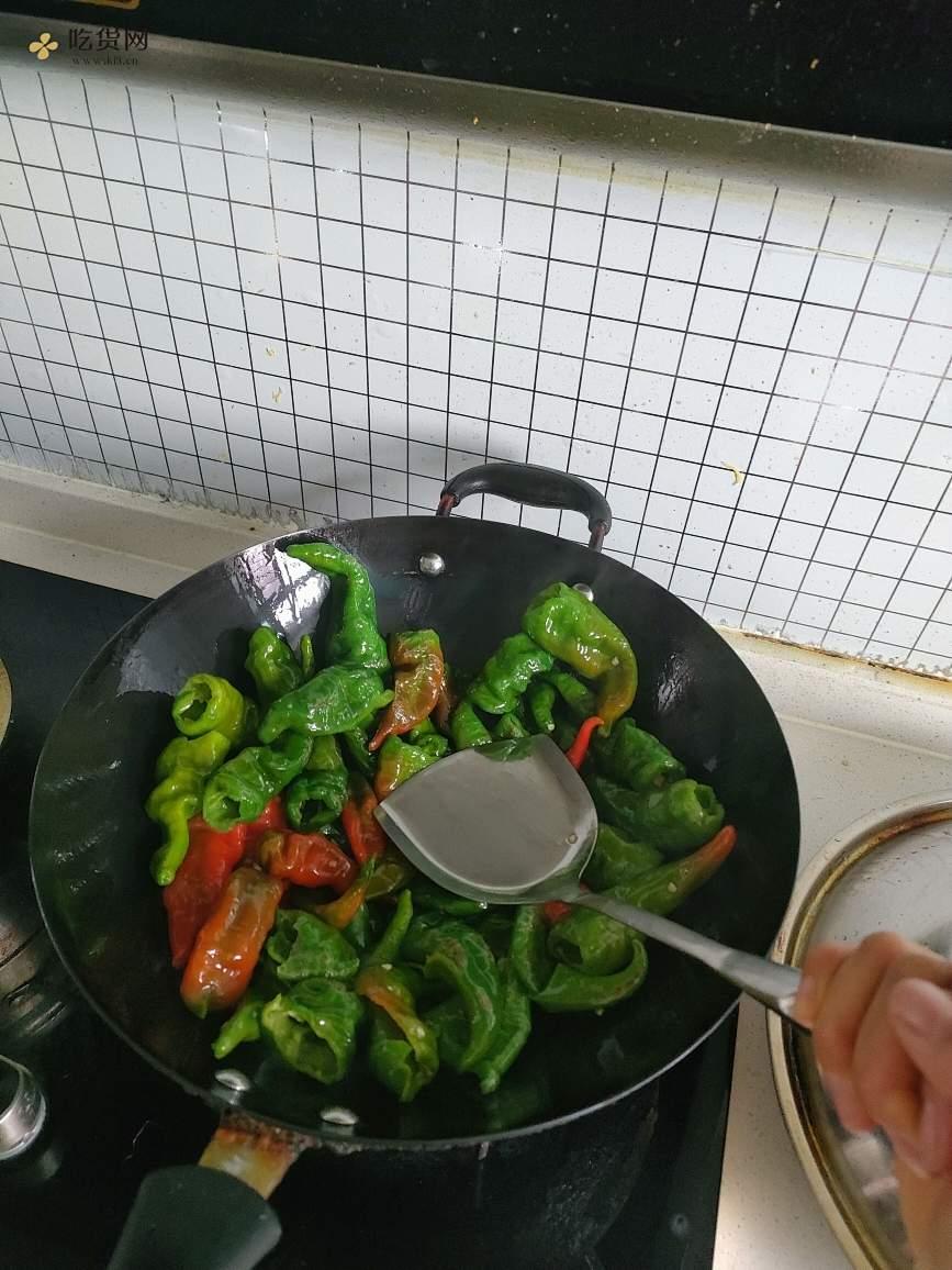 好吃的虎皮辣椒的做法 步骤1